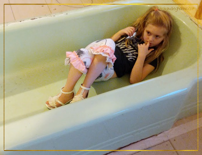 Hailey Bathtub